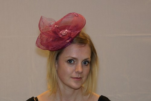 Fascinator ceriseroze